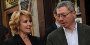 Esperanza Aguirre dialoga con Alberto Ruiz-Gallardón