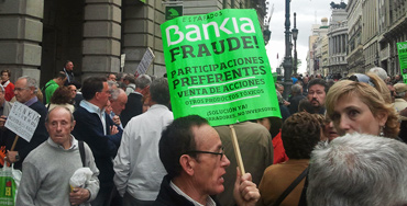 Manifestación de afectados por las preferentes de Bankia - Foto: Raúl Fernández
