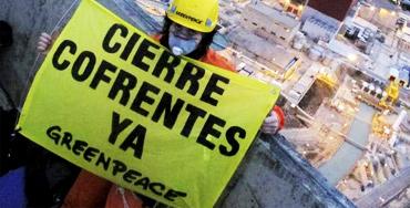Acción de protesta de Greenpeace en la central nuclear de Cofrentes