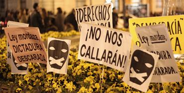 Carteles contra la Ley Mordaza - Foto: Raúl Fernández