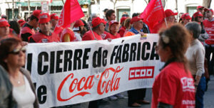 Manifestación de extrabajadores de la fábrica de Coca-Cola de Fuenlabrada