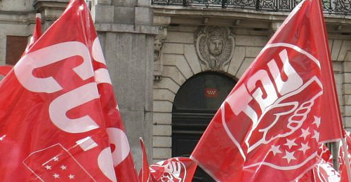 Banderas de CCOO y UGT