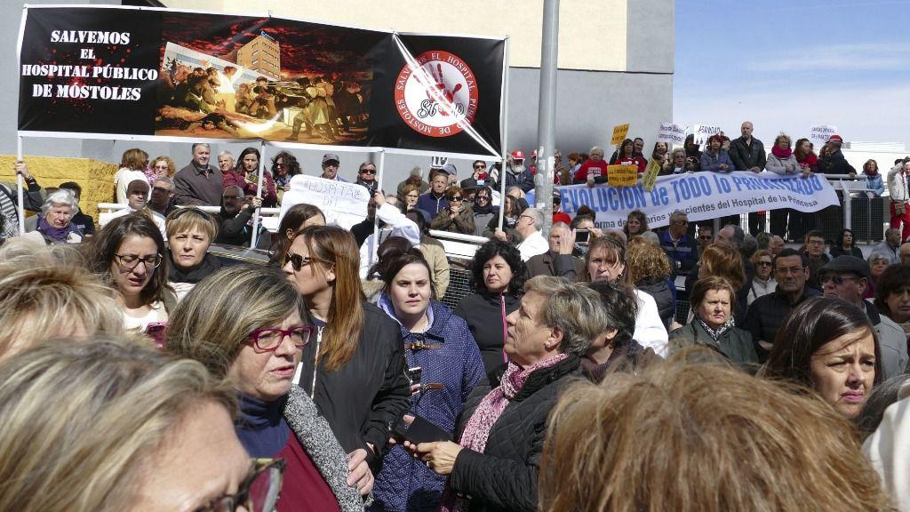 Manifestación en defensa del hospital de Móstoles