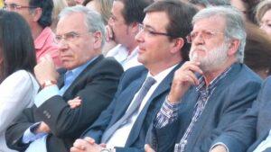Juan Carlos Rodríguez Ibarra junto a Guillermo Fernández Vara y Alfonso Guerra