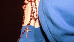 religion catolica rezar rosario