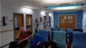 Pacientes en una sala de espera