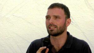 Tom Kucharz.