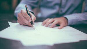 Acuerdo firmar documentos negocio