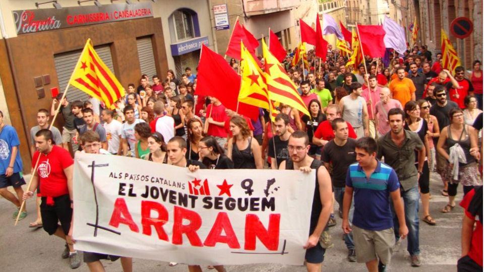 [CUP] MANIFESTACIÓ: REPÚBLICA POPULAR, SOCIAL I SOBIRANA JA! Www.elboletin.com_fotos_1_93777_arran