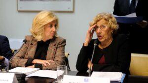 Concepción Dancausa y Manuela Carmena.