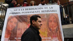 Juanma Moreno, líder del PP andaluz, en un acto en recuerdo de los menores asesinados.