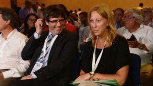 Neus Munté, presidenta del PDeCAT junto a Carles Puigdemont