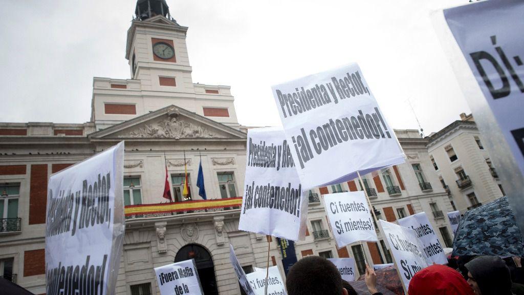 Manifestación Máster Cifuentes