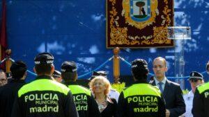 Manuela Carmena en la festividad del patrón de Policía Municipal.