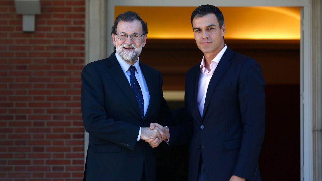 Mariano Rajoy y Pedro Sanchez en La Moncloa