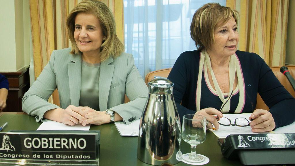 Fátima Báñez y Celia Villalobos.