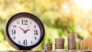 Hipoteca vivienda casa reloj dinero monedas