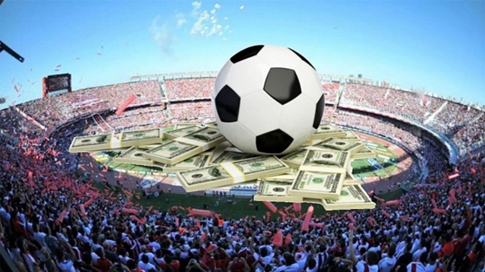 Campo de fútbol dinero