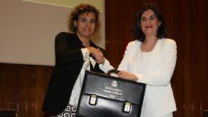 A la izquierda, Dolors Montserrat, antigua ministra de Sanidad; a la derecha, Carmen Montón, la actual ministra de Sanidad