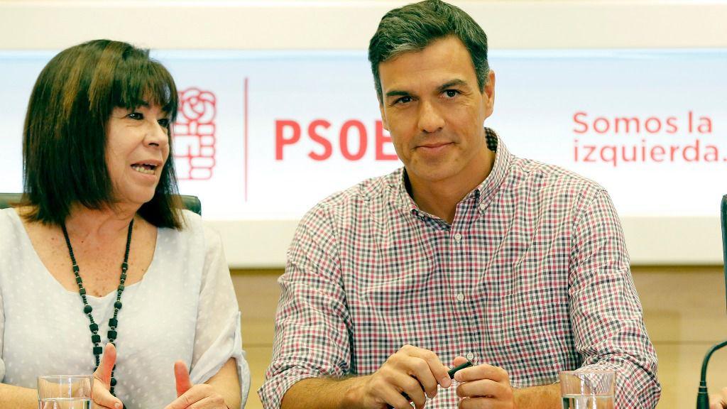 Pedro Sánchez y Cristina Narbona