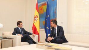 Pedro Sánchez con Pablo Casado