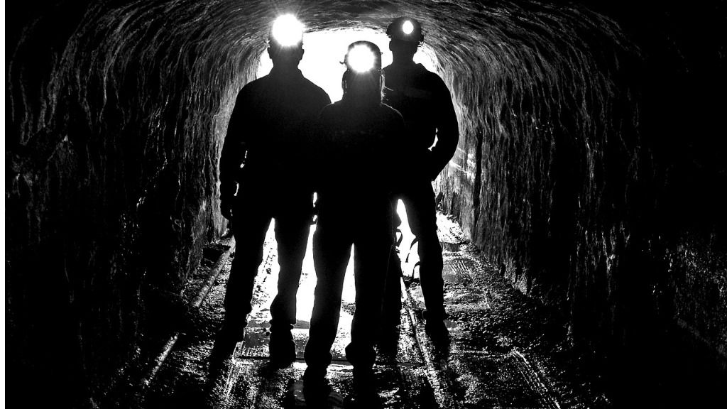 mineros mina carbon