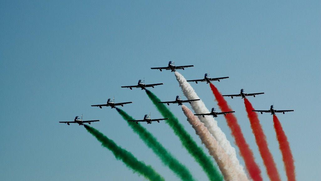 Aviones bandera Italia