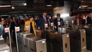 Rey Felipe VI en el Metro de Madrid