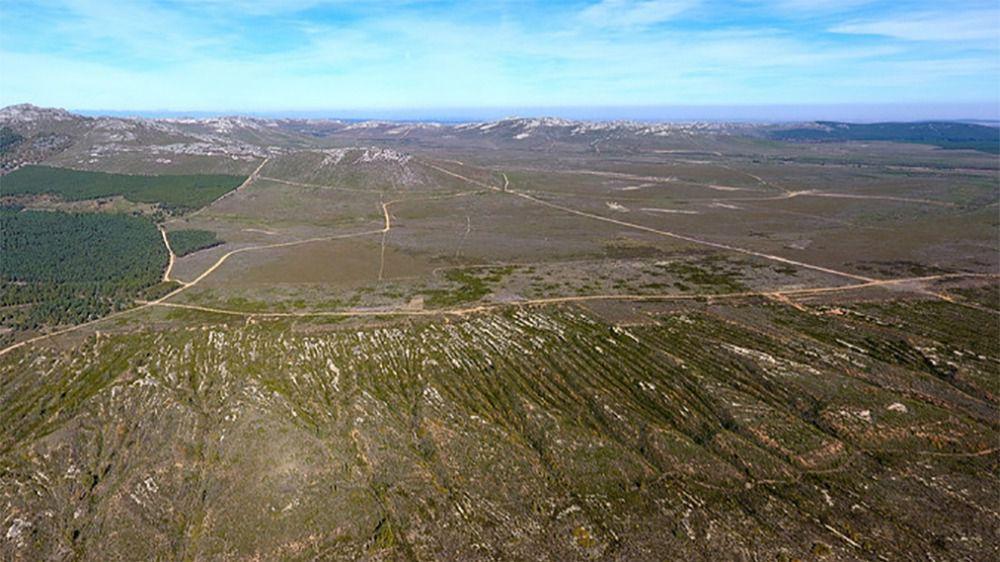 Antiguas minas de oro romanas en Castrocontrigo (León) vistas desde el aire