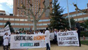 Manifestación de los residentes del Hospital 12 de Octubre