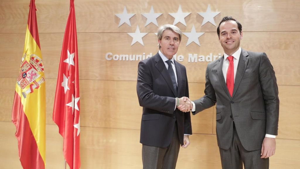 Ignacio Aguado y Ángel Garrido tras su acuerdo presupuestario