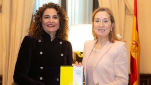 María Jesús Montero y Ana Pastor