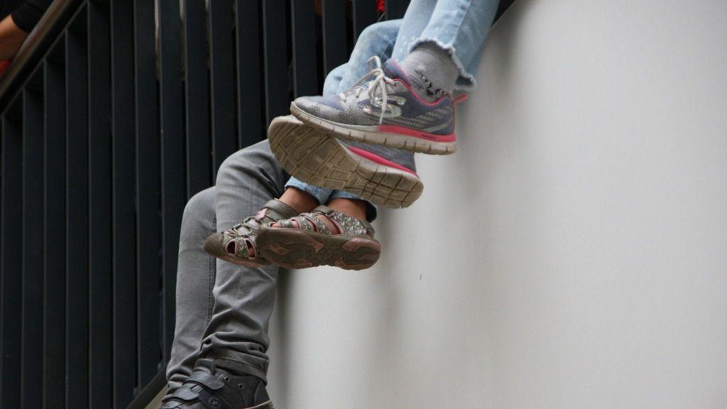 Jóvenes estudiantes adolescentes