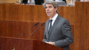 El presidente de la Comunidad de Madrid, Ángel Garrido, en la Asamblea.
