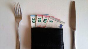 Salario Sueldo tenedores