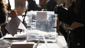Urna electoral Elecciones en Cataluña