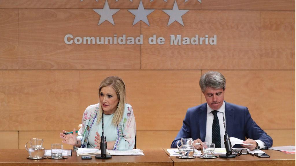 Cristina Cifuentes, durante su etapa como presidenta de la Comunidad de Madrid, y Ángel Garrido, durante su labor como portavoz del Gobierno y vicepresidente madrileño