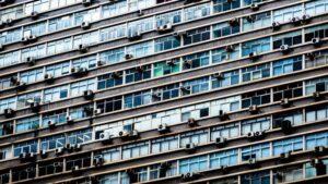 Antes de instalar aire acondicionado hay que consultar los estatutos de la Comunidad de Propietarios