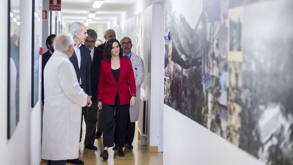 La candidata del PP a la Comunidad de Madrid, Isabel Díaz Ayuso, junto al actual consejero de Sanidad, Enrique Ruiz Escudero