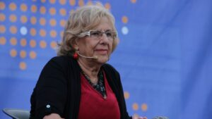 Manuela Carmena, alcaldesa de Madrid con Ada Colau, alcaldesa de Barcelona