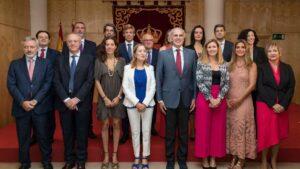 El consejero de Sanidad (cuarto por la derecha), Enrique Ruiz Escudero, en el nombramiento de los altos cargos de la Consejería en Madrid