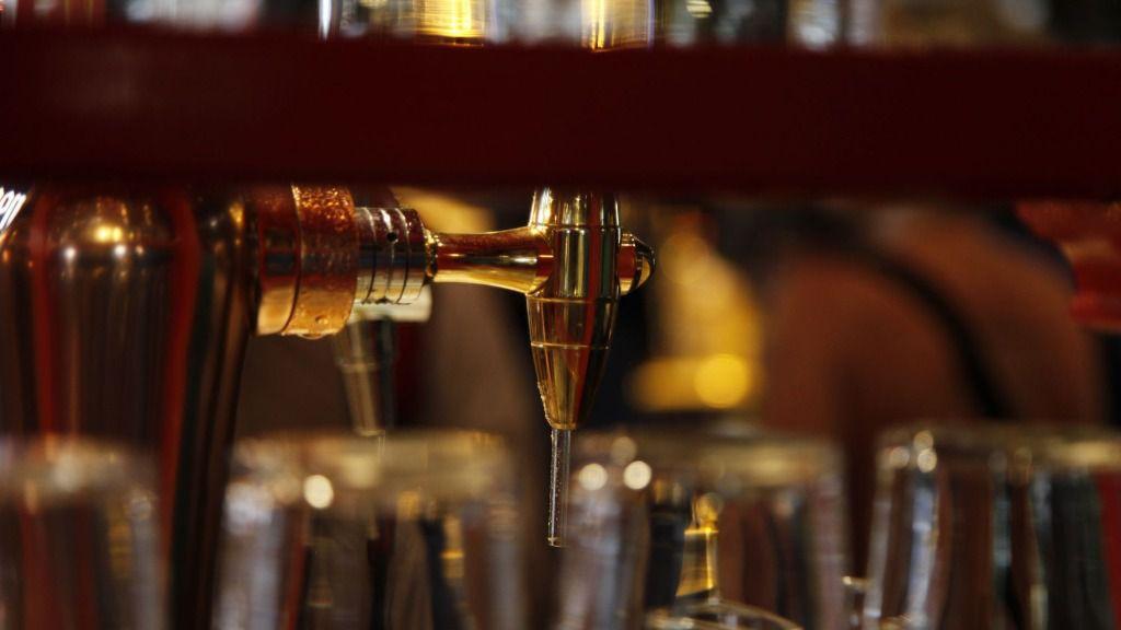 Bar cerveza grifo