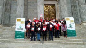 Los promotores de la ILP Medicamentos a un Precio Justo arrancan la campaña de recogida de firmas
