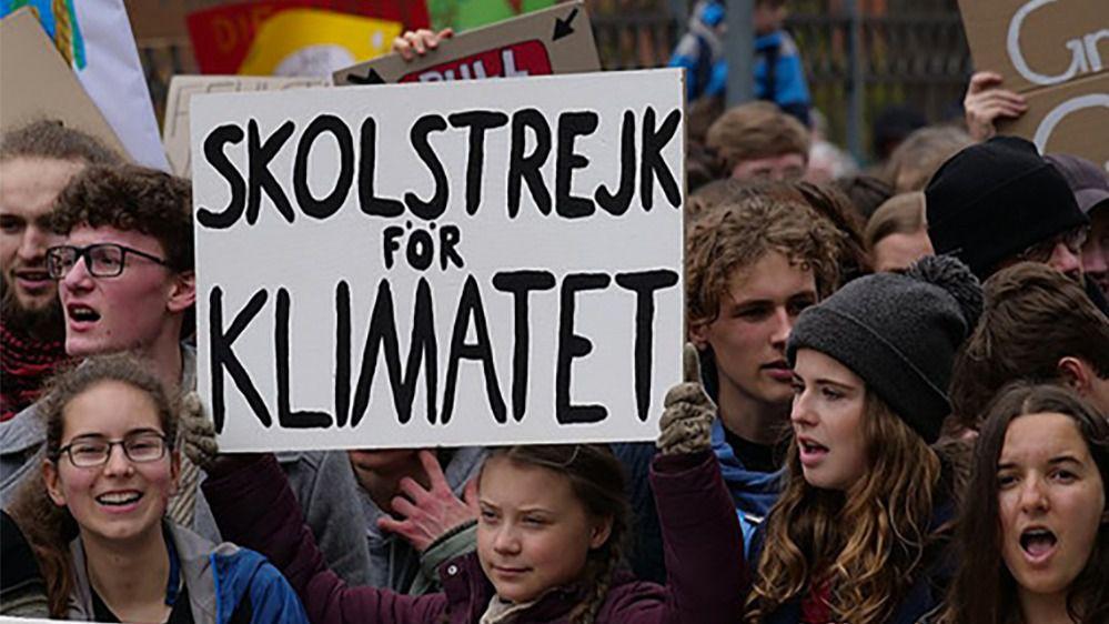 La activista medioambiental Greta Thunberg encabeza una de las marchas contra el cambio climático celebradas en el mes de marzo en Berlín