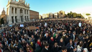 """Manifestación antifascista de """"las sardinas"""" el 14 de diciembre de 2019 en Roma"""