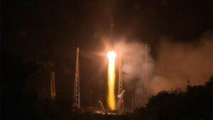 Un cohete Soyuz-Fregat ha lanzado este miércoles al satélite Cheops
