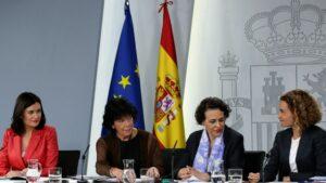 María Isabel Celaá, Magdalena Valerio, Meritxell Batet y Carmen Montón