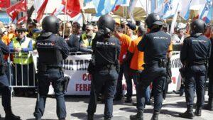 Manifestación de trabajadores de Alcoa ante al Congreso