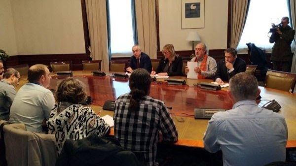 Reunión de diputados del PSOE con el comité de empresa de la planta de Alcoa en San Ciprián en el Congreso
