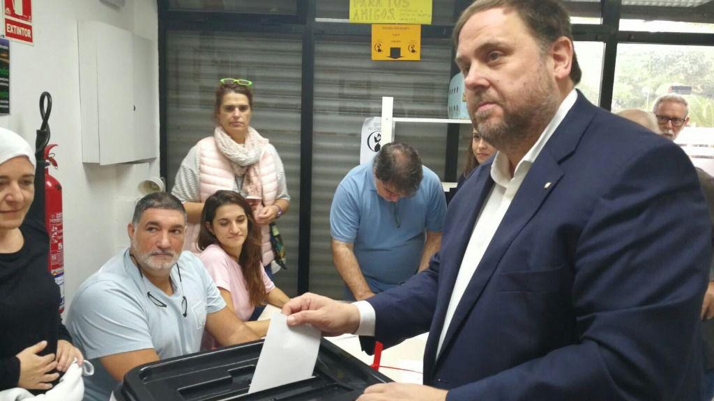 Oriol Junqueras votando